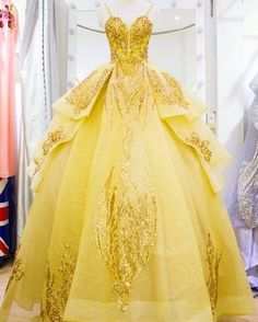 Love it 😍 rate 1 to 10 💗💗💗💗💗 Tag your bff . Ball Gown Dresses, 15 Dresses, Pretty Dresses, Xxxl Dresses, Yellow Ballgown, Robes Disney, Belle Dress, Belle Inspired Dress, Quince Dresses