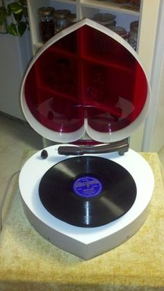 VINTAGE HEART SHAPED LUCITE RECORD PLAYER TURNTABLE-UNIQUE 1 OF A KIND ART PIECE | eBay
