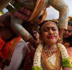Kerala Wedding Photography, Crown, Fashion, Moda, Corona, Fashion Styles, Fashion Illustrations, Crowns, Crown Royal Bags