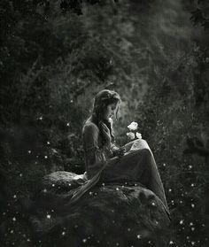 """""""Os grandes eventos não são as nossas horas mais ruidosas, mas os nossos instantes mais silenciosos.""""  Friedrich Nietzsche"""