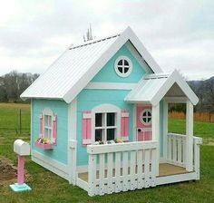 That mail box though! Backyard Playhouse, Build A Playhouse, Wooden Playhouse, Backyard Playground, Playhouse Interior, Pallet Playhouse, Playhouse Ideas, Kids Outdoor Play, Kids Play Area