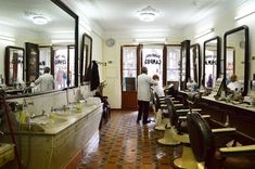 Barbearia Campos, desde 1886 - Largo do Chiado, Lisboa (Portugal)