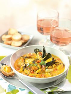 Bouillabaisse de moules Fish And Chips, Fish And Seafood, No Cook Meals, Seafood Recipes, Food Hacks, Good Food, Food And Drink, Favorite Recipes, Lunch