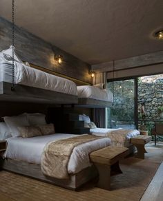 river house by luciano gerbilsky arquitectos features a steel framing that allows for wide areas with large windows and double-height ceilings. Bunk Bed Rooms, Bunk Beds Built In, Bedrooms, Home Bedroom, Bedroom Decor, Mansion Bedroom, Family Bed, Single Family, Bunk Bed Designs