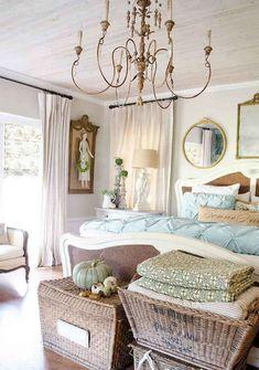 Romantic Shabby Chic Bedroom Decorating Ideas (15)