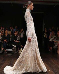 Organic geometry. Naeem Khan Bride 2017. Bride that is not afraid to make a statement. @naeemkhanbride #nybfw #weddingdress #wedding #bride