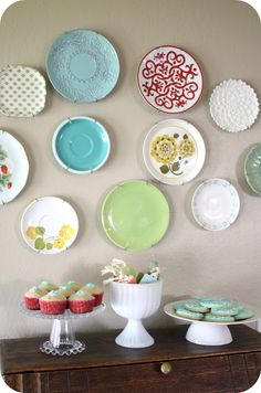 Would be so cute in a dining room. And so many fun choices for the plates...could even be changed out for mood/season :)