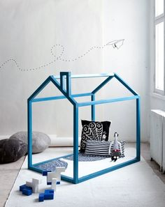 Free and easy DIY Playhouse Reading nook plans Diy Playhouse, Modern Playhouse, Simple Playhouse, Playhouse Interior, Garden Playhouse, Childrens Playhouse, Deco Kids, Decoration Design, Kid Spaces