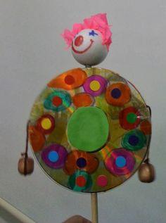 חברים של האמנות Art Friends: ליצן רעשן Diy And Crafts, Crafts For Kids, Arts And Crafts, Paper Crafts, Kwanzaa Principles, Shabbat Candlesticks, Happy Kwanzaa, Learn Hebrew, Art Friend
