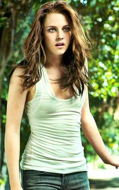 "Kristen Stewart in a photo shoot for ""New Moon""........."