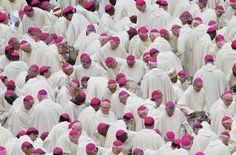 Bischöfe aus aller Welt kamen zu der Zeremonie nach Rom.