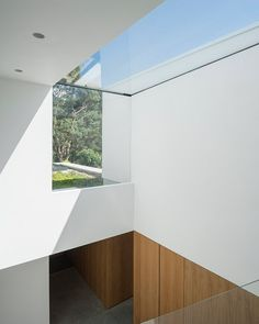http://www.glazingvision.co.uk/case-studies/bespoke-eaves-roof-light-for-residential-property/?utm_campaign=era-casestudy-promotion