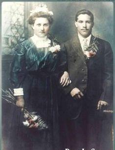 Vintage Wedding Photos, Vintage Weddings, Colored Wedding Dress, Wedding Dresses, Painting, Bride Dresses, Bridal Gowns, Painting Art