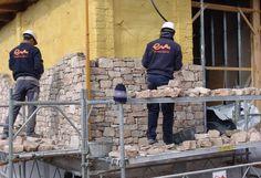 En Empedrats Mestres estamos dedicados y especializados en la restauración de fincas, inmuebles y viviendas con piedra natural de cantera propia.