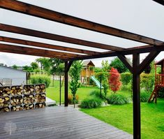 zadaszenie drewno poliwęglan House With Porch, Pergola Patio, Ideas Para, Outdoor Living, Outdoor Structures, Rustic, Bulgaria, House Ideas, Outdoors