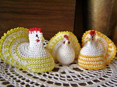 Handmade by Ecola & Dana Art - Wielkanocne kurki Paste, Diy And Crafts, Christmas Ornaments, Holiday Decor, Handmade, Amigurumi, Hand Made, Christmas Jewelry, Christmas Ornament