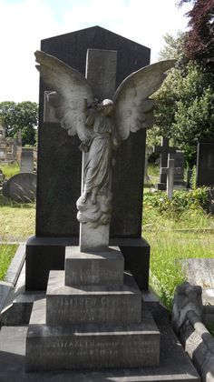 Angel in Welford Road Cemetery, Leicester