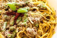 Pesto Pasta with Quinoa, Sundried Tomatoes and Green Beans    http://recipemomma.com/recipe/pesto-pasta-with-quinoa-sundried-tomatoes-and-green-beans/