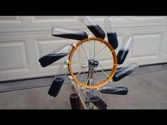 This is our second attempt at a perpetual motion - free energy machine. It is an overbalanced wheel known as a Bhaskara wheel. Renewable Energy, Solar Energy, Solaire Diy, Perpetual Motion, Power Generator, Water Wheel Generator, Energy Projects, Save Energy, Fuentes De Agua