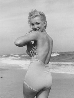 Marilyn in a swimsuit at the beach