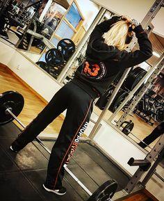 🔥 @kroppsbygget @athletechsportsnutrition . . .#inspiration #motivation #training #bodytransformation #lifestyle #fitnesslifestyle #model #fitnessmodel #positivevibes #bodybuilding #gymlife #gym #justlift #kroppsbygget #powerfule #fightforit #nopainnogain #dreambig#fitsbo #workhardplayhard #lovelifting #aldrigvila #tropådigsjälv #hållkäftenochträna #jagtogbeslutet #gymshark #nordicwellness #kroppsbyggetbutik #fitnesslifestyles