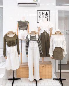 🌿Từ trái sang phải🌿 Set1 To Cute Fashion, Modest Fashion, Fashion Outfits, Womens Fashion, Ulzzang Fashion, Korean Fashion, Matching Outfits, Cute Outfits, Clothing Displays
