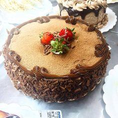 Torta de Brigadeiro com Morango #tortasPOLOS (em Polos Pães e Doces)