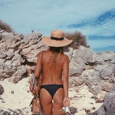 Exploring hidden places with @olivecooke up on the blog. #australia #hidden #beaches #traveltuesday by freepeople