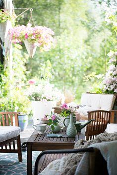 Bratte bakka og grøne lier :  #garden #inspiration #photography xo ❀ ♥ . . ✿⊱╮. ★ . . ╭✿⊰ ♥ . . ★ . . ♥ ☽★☀☆☾ ༺♥༻  