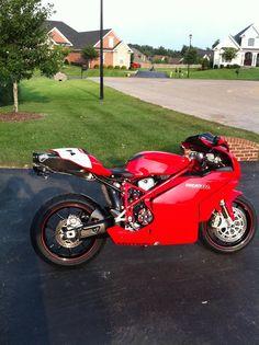 Ducati 999S Ducati Motogp, Motorcycle Engine, Supersport, Racing Motorcycles, Moto Guzzi, Bike Stuff, Cafe Racers, Bike Life, Sport Bikes