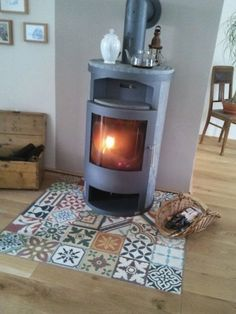 Articima Zementfliesen Patchwork, articima cement tiles patchwork So cozy. Interior And Exterior, Interior Design, Wood Burner, Parquet Flooring, Parquet Tiles, Floors, Home And Living, Living Room, Home Improvement