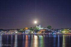 Luna llena en isla de Flores Peten Guatemala