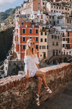 Cinque Terre Travelguide – leonie hanne – haute couture <br> When I first fell in love with Cinque Terre… I can't even tell you how long I've been dreaming of visiting Cinque Terre. Even though Cinque Terre was not really on the route I had… Italy Vacation, Italy Travel, Italy Trip, Travel Europe, Travel Usa, Cinque Terre Italia, Travel Pictures, Travel Photos, Romantic Travel