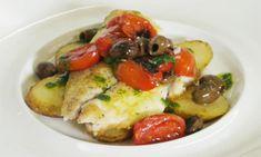 Filetto di orata alla mediterranea Dieta Low, Diet Menu, Fish Recipes, Baked Potato, Good Food, Chicken, Ethnic Recipes, Olive, Italian Recipes