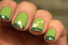 Feeling a bit festive, I picked up my Spring Green from Sally Hansen and Ulta's The Jungle Book. It needed a little extra something so I stamped my ring finger with Konad's Special White polish and...