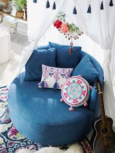 Lennon & Maisy Bohemian Medallion Pillow Made of pure cotton brightly embroidered, this soft pillow adds a playful pop of color to your room. Singers, actresses, authors and above all, sisters, Lennon & Maisy collaborated with us to design a collection that celebrates creativity with eclectic, worldly patterns and vintage-inspired pieces.