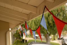 super easy diy: fabric pennant flag banners. great tutorial!