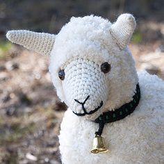 LANKAVA, Maija-mummon lammas. Granny Maija´s sheep by Maija Hakonen for Lankava Oy.