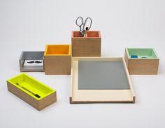 Neon (2012) Material: Eiche  Entwurf: Silvia Terhedebrügge / bartmann berlin #neon #organisation #schreibtisch #bettenbartmann #berlin #style #newdesign #pen #desk #modern #productdesign #bureau #work #pencil #oak #eiche #holz #wood #office