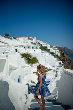 Gal Meets Glam- Beautiful Oia, Santorini, Greece The amazing blue oceans and sky contrasting with the white buildings was magical.