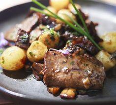 Pollo alla cacciatora in due varianti Dolce, Carne, Pork, Meat, Easter, Kale Stir Fry, Pork Chops