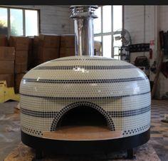 Four à pizza bois : Forno Bravo Pizza Oven Napoli black and white tile Clay Pizza Oven, Clay Oven, Bread Oven, Wood Oven, Wood Fired Oven, Wood Fired Pizza, Outdoor Stove, Pizza Oven Outdoor, Oven Design