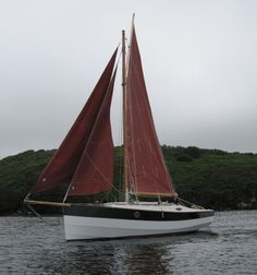 Cape Henry gaff cutter, designed by Dudley Dix Sailing Catamaran, Yacht Boat, Sailing Boat, Classic Sailing, Classic Yachts, Small Sailboats, Cool Boats, Boat Design, Wooden Boats