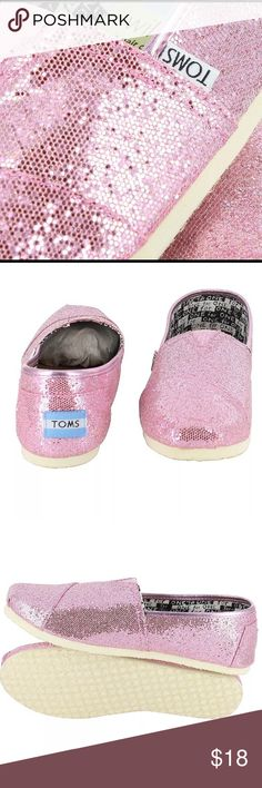 YOUTH TOMS CLASSIC GLITTER SIZE 1.5 NWOT NEW YOUTH TOMS CLASSIC GLITTER SIZE 1.5  Canvas upper with TOMS toe-stitch, and elastic V for easy on and off. TOMS classic suede insole with cushion for comfort. Latex arch insert for added support. One-piece mixed-rubber outsole for resilience, flexibility and durability. TOMS Shoes Sneakers