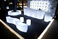 Illuminated Furniture, great for corporate events. Led Furniture, Lounge Furniture, Event Themes, Event Decor, Salas Lounge, Wedding Lounge, Glow Party, Event Lighting, Futuristic Furniture