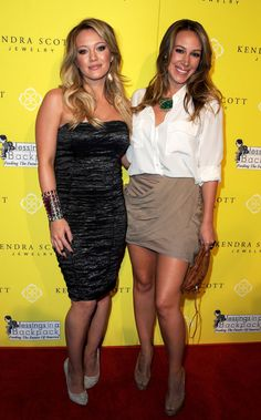 It's Hilary and Haylie Duff!