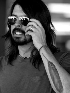 Grohl - I want the shades !