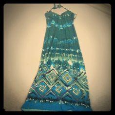 Halter maxi dress Ties at neck, molded cups, never worn Dresses Maxi