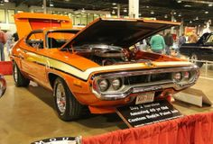 MCACN-2013-chicago-plymouth-road-runner-1972-butch-brinza