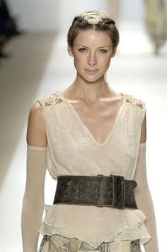 Caitriona Balfe for Sass & Bide - Ready-to-Wear - Runway Collection - WomenFall / Winter 2006